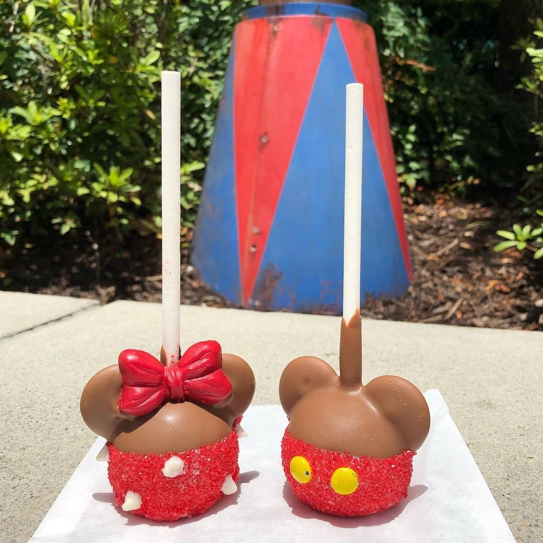 Mickey and Minnie cake pops