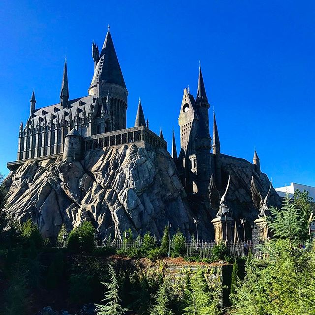 View of Hogwarts Castle in The Wizarding World of Harry Potter
