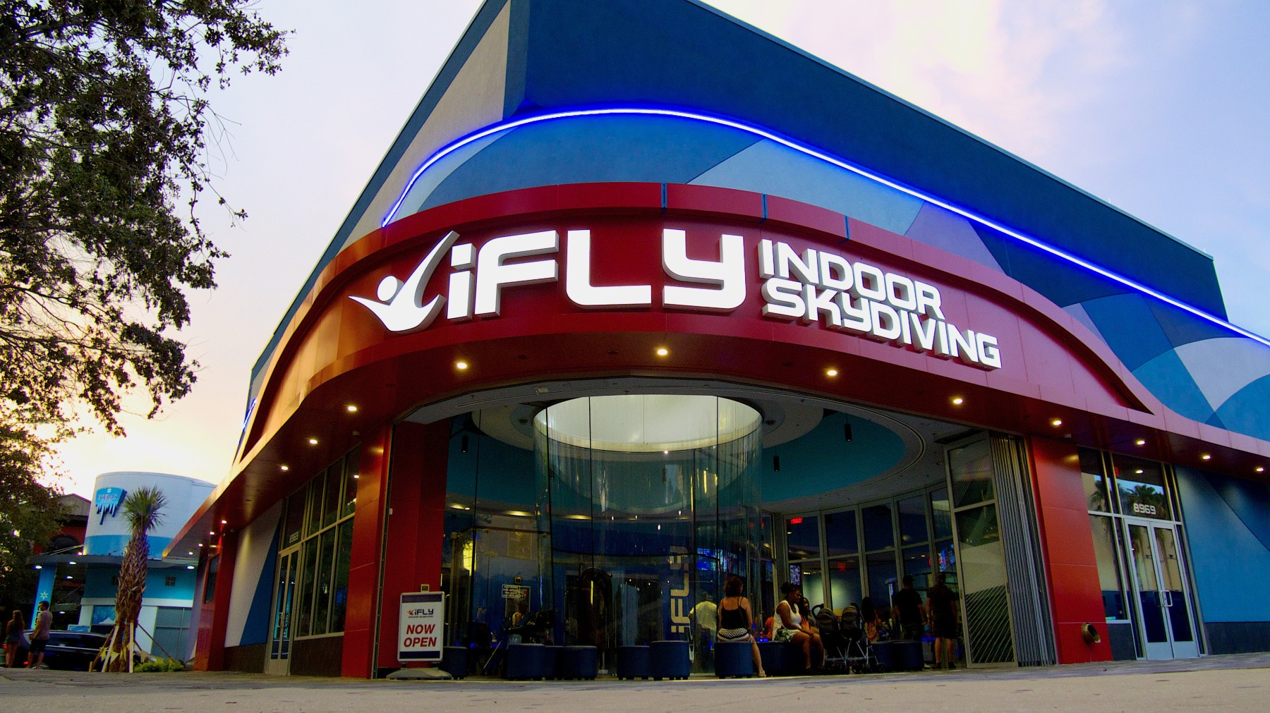 iFLY Orlando on International Drive is a recently announced 2 flight chamber wind tunnel manufactured by SkyVenture that is slated to be opened roughly 3 miles south of the current iFLY Orlando location. This tunnel is to effectively replace the existing Orlando location when it opens in early