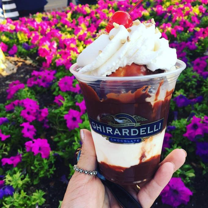 An sundae from Ghirardelli's