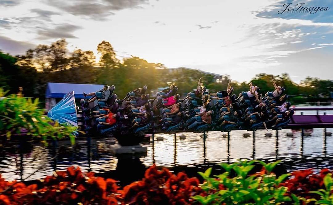 Guests ride Mako at SeaWorld Orlando