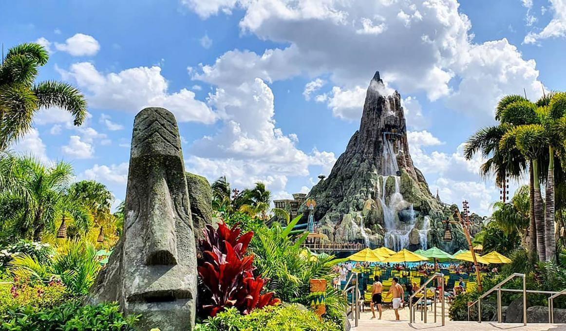 A Statue at Universal's Volcano Bay