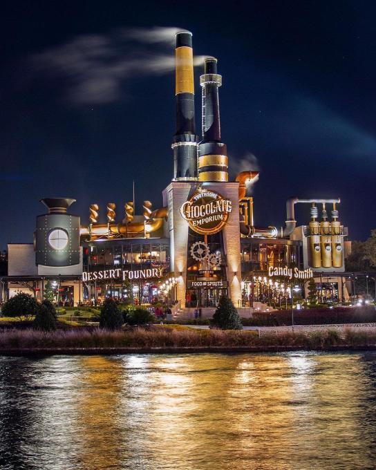 An evening shot of the Toothsome Chocolate Emporium