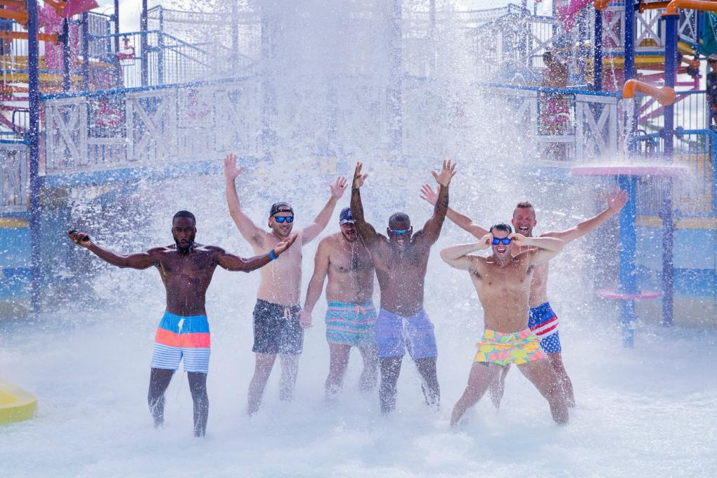 Chubbies Models swim at Island H20 Live!