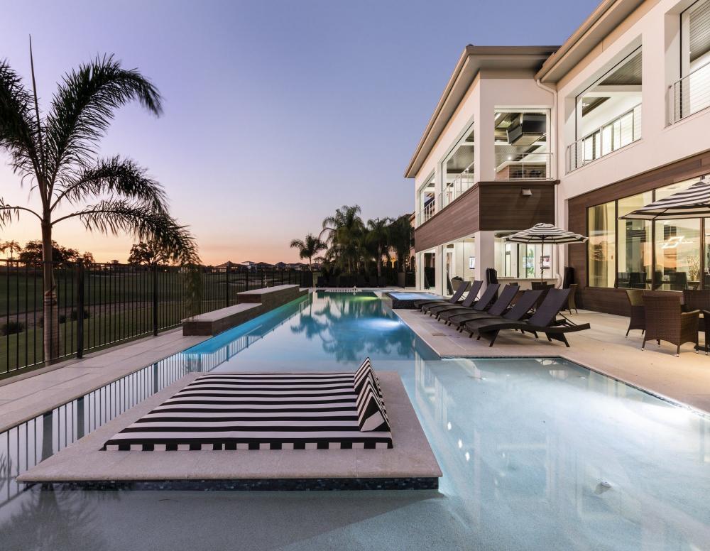 W312 Pool Deck