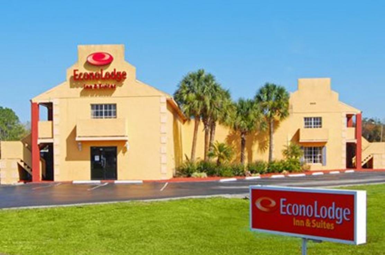 Econo Lodge Inn & Suites Maingate Central